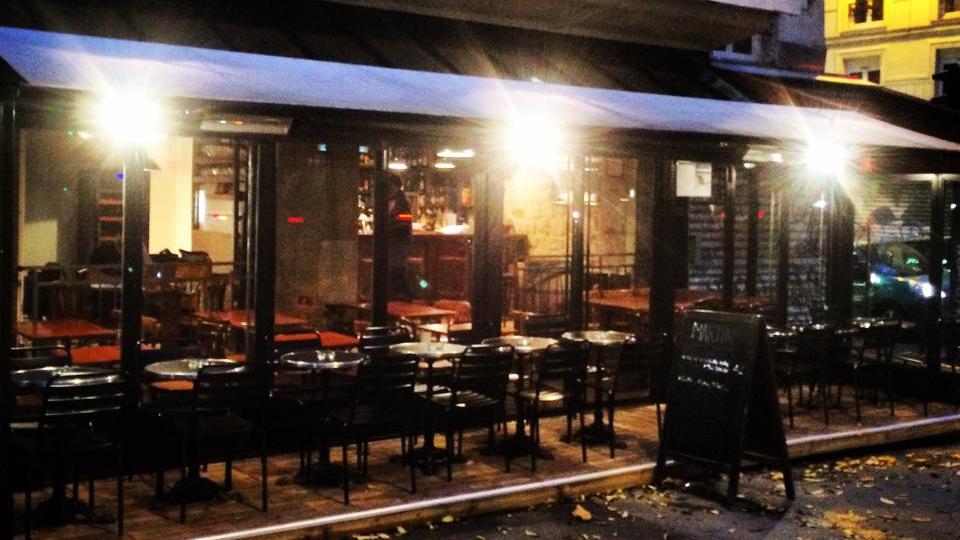 Martin Bar Marais Paris night