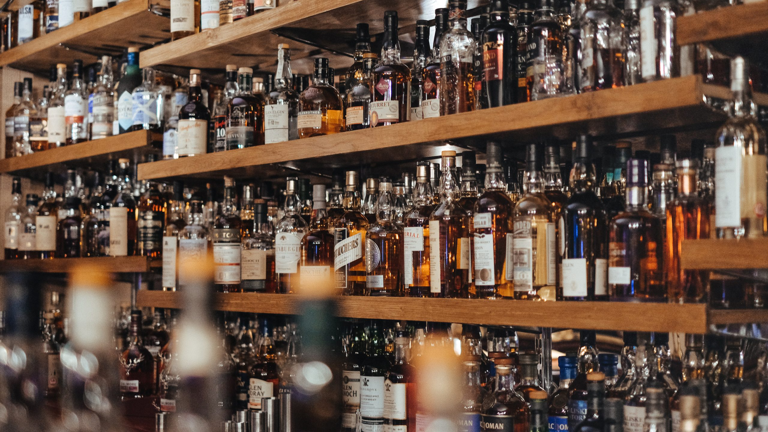 The 26 Best Scotch Whiskies In The World According To The International Spirits Challenge 2020 adam-wilson-6UIonphZA5o-unsplash