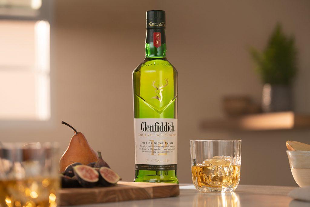 Glenfiddich 12 Year Old Bottle Breakdown Middle