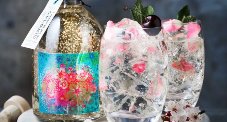 marks-and-spencer-cherry-blossom-gin-glitter-globe-cocktail