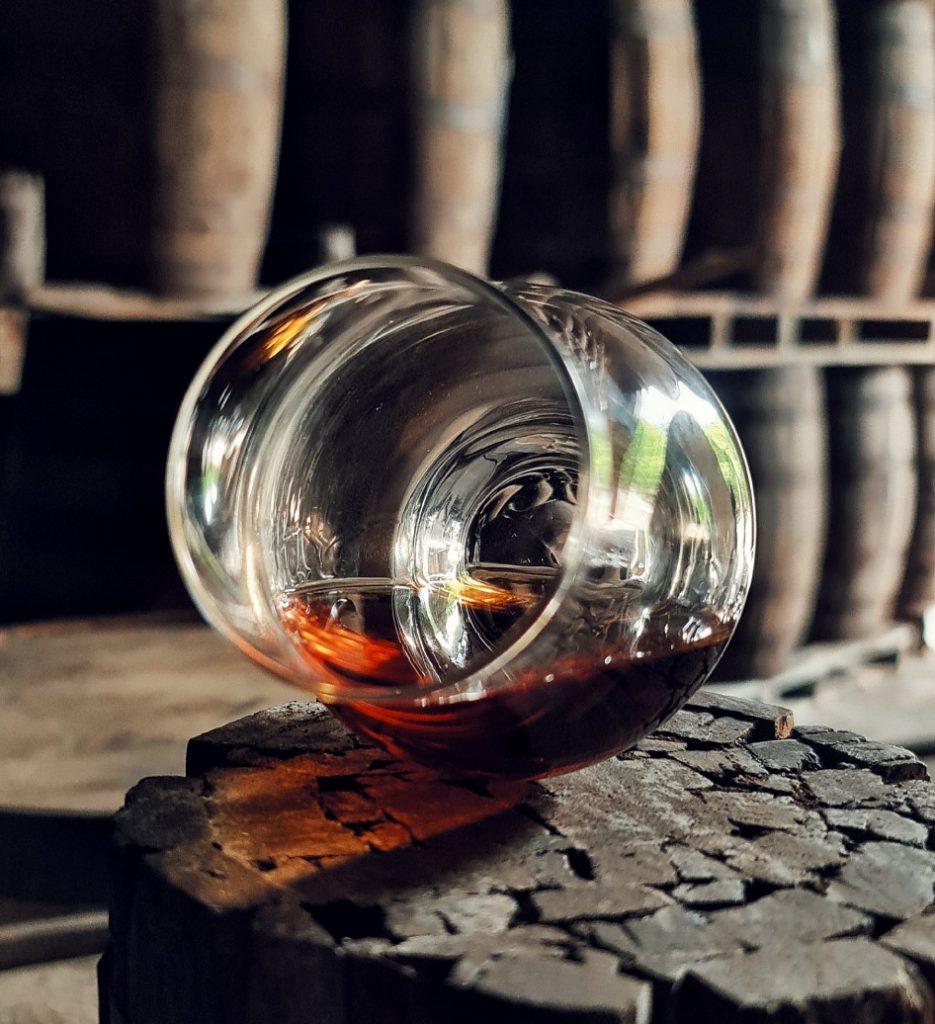 Ageging rum glass